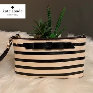 ♠️Kate Spade Striped Patent Leather Bow Wristlet